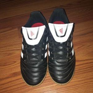 Shoes - Soccer shoes